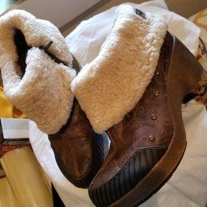 Stylish Ankle boots by Jambu